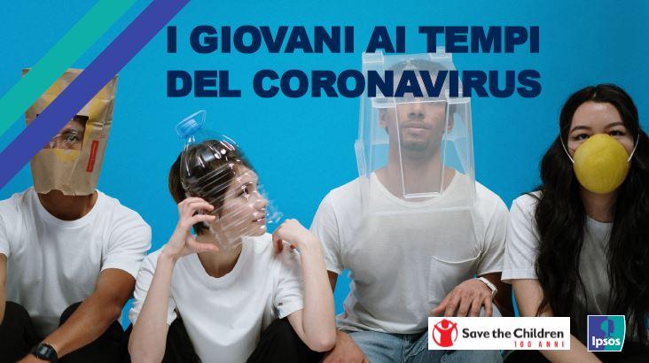 4 ragazzi con mascherina e sistemi di protezione dal coronavirus anche ironici