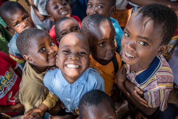 bambini sorridenti Impresa per i bambini