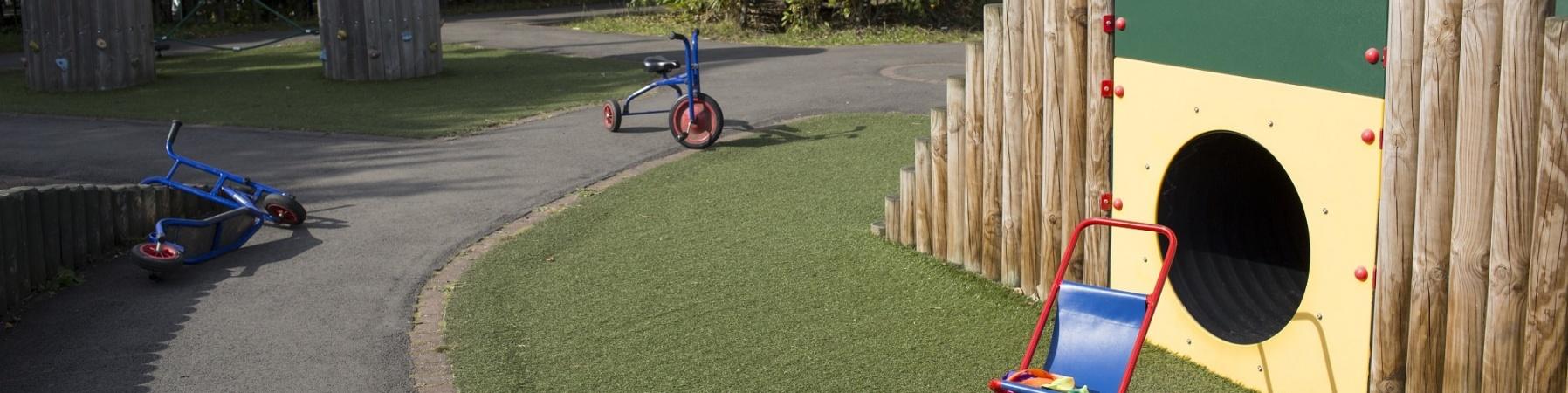 parco giochi per bambini vuoto