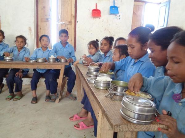 I bambini pranzano