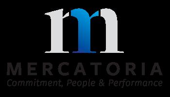 logo mercatoria sfondo bianco scritta nera e logo grigio e blu