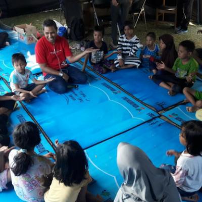 Bambini giocano in uno Spazio a Misura di Bambino