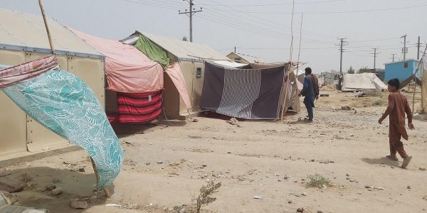campo profughi temporaneo in Afghanistan