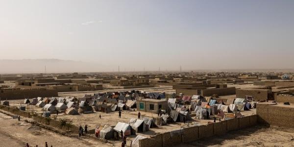 campo profughi ripreso dall'alto in Afghanistan