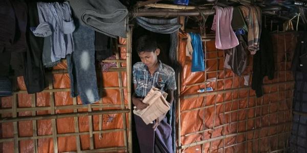 bambino-rohingya-in-tenda