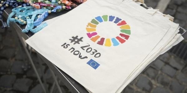 borse di tela con logo SDGs per lagenda 2030