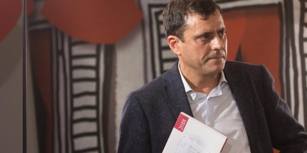 Giulio Cederna riceve il Premio Andersen 2019 per Atlante Infanzia a rischio di Save the Children