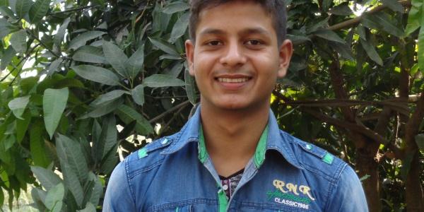 Umesh, 18 anni, vive in Nepal e ha partecipato ai nostri programmi di Sostegno a Distanza