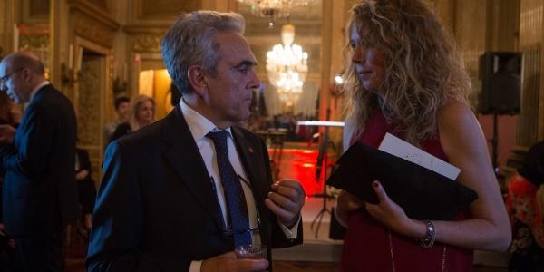 Valerio Neri e Daniela Fatarella di profilo parlano