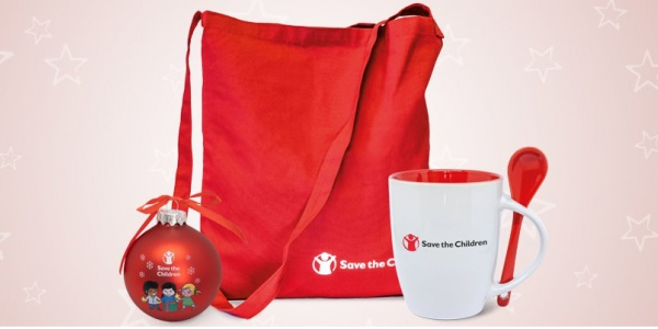 shop bag rossa, tazza bianco e rossa e pallina di natale di save the children